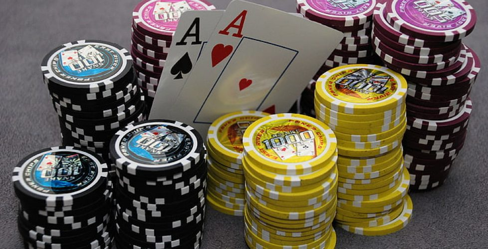 card-chips-ace-casino-wallpaper-preview
